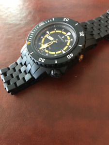 Steinhart Triton 100 - Swiss Automatic Watch 1,000m Diver