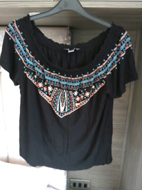 T-shirt top from primark