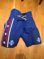 Medium adult hockey pants