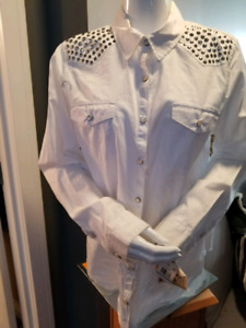 Brand new Democracy women's button shirt