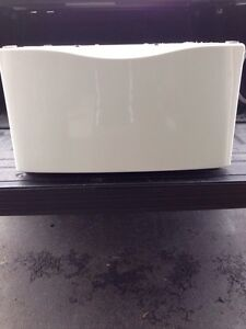 """White 15.5"""" pedestal for whirlpool duet washer or dryer."""