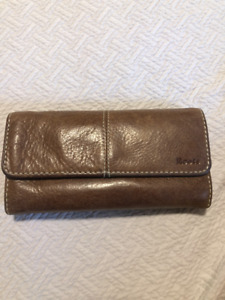 Authentic Roots Medium Trifold Clutch Wallet