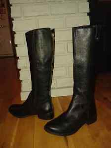 Brand new black Steve Madden leather boots - Women's size 7 1/2 Peterborough Peterborough Area image 1