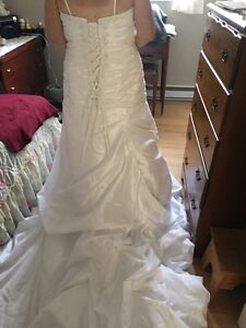 Beautiful size 20 wedding dress