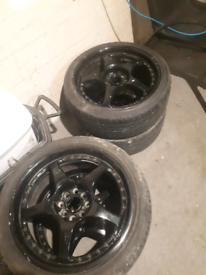 Lenzo black alloy wheels 4 with good condition tyers