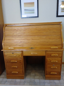 Roll Top Desk, Oak, In very good condition