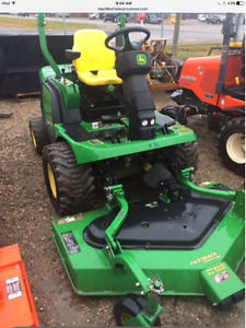 JOHN DEERE 1445 FRONT MOUNT MOWER 4 WHEEL DRIVE 62 DECK