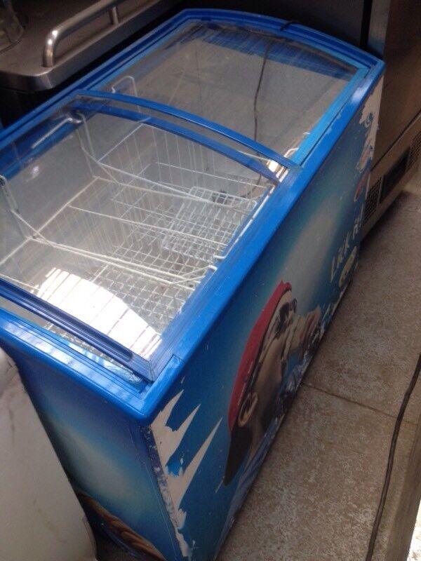 Icecream freezer/ shop display freezer