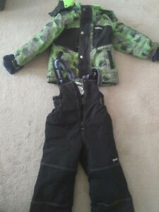 Oshkosh 4 year old winter jacket and snow pants $30 pls text