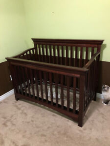 Emma Convertable Crib and matching Dresser and Change Table