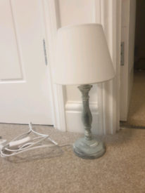 Distressed Side Table Lamp