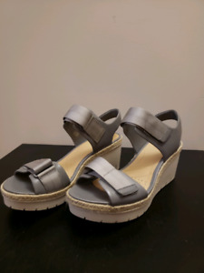 Womens Shoes Size 9 US