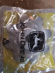 John Deere 40 series corn head idler sprockets