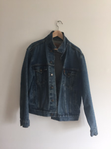 This outfit is a steal! Levi's jeans and jacket, Penfield shirt