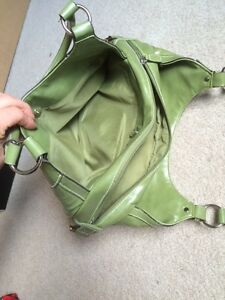 Green Purse Only Used once Kitchener / Waterloo Kitchener Area image 4