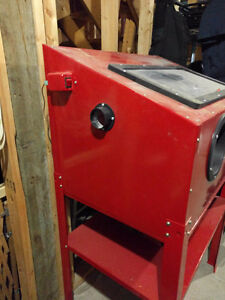 Sandblasting cabinet *barely used* West Island Greater Montréal image 2