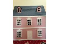 Miniature dolls house