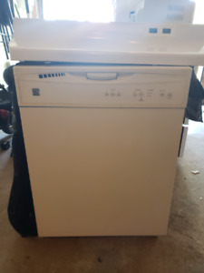 Fridge, Stove, Dishwasher, Hood vent and Microwave
