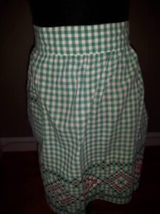 Vintage gingham apron with embroidery