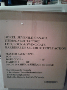 Safety 1st Dorel Juvenile Lift Lock and Swing Gate