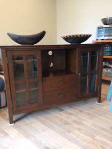 Beautiful Entertainment Ctr, solid wood!