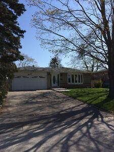 Beautiful South Ajax Home, Desirable Street, Steps to The Lake