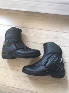 Alpinestars New Land GTX gore-tex boot: size 3.5 female