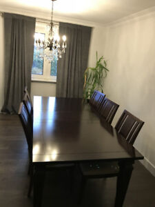 Wanted: Dining table with 6 chairs for sale!