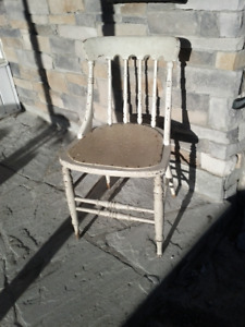 Gunstock chair