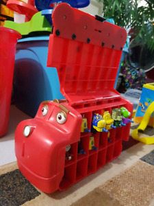 Chuggington carry case with trains.