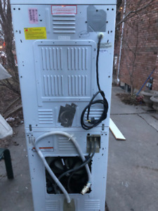STACKED MAYTAG WASHER/DRYER UNIT - READY FOR PICK UP 300$
