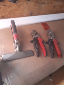 Soffit/fascia aluminum tools down pipes gutter eavestrough