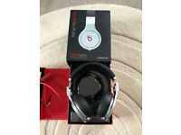 Monster beats pro by dr dre in excellent condition. Boxed