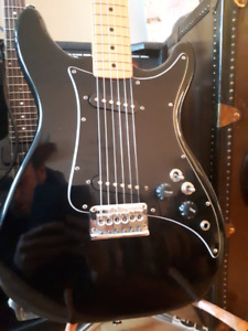 Targa model LEAD 2 de Fender usa.1980s