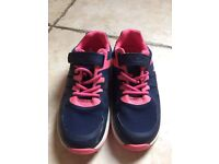 Clarks size 91/2 F trainers