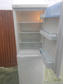 Bosch fridge freezer, excellent and clean. Delivery