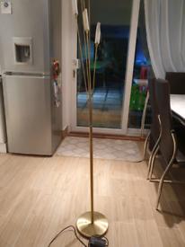 Hyatt floor lamp (gold)