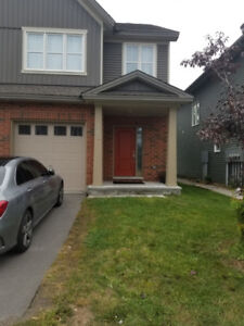 Beautiful 3-Bed 2.5 Bath Town-home in Ottawa - October 1st
