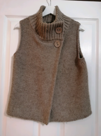 Topshop sleeveless knitted top - size 10