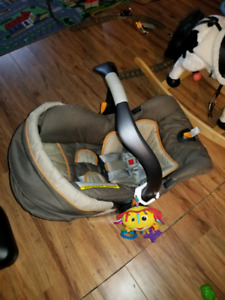 Chico car seat/carrier, base, and stroller