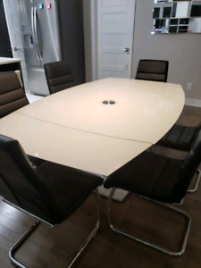 Table ajustable Maison Corbeil
