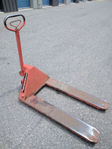 """Pallet Jack-used,27x48"""",5500Lbs,nylon tyres,excellent working co"""