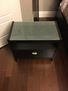 Night Table with drawer in great condition no damage