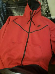 Red Nike Tech Fleece L