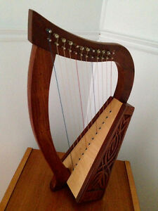 12 strings celtic baby harp