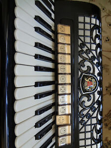 Accordeon  royal standard montana Québec City Québec image 3