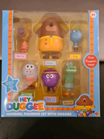 Hey Duggee Squirrel Figurine set with Duggee