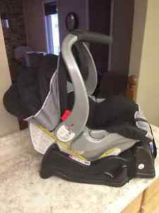 Baby Trend EZ-Flex Car Seat and Base