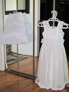 Beautiful Size 6X flower Girl Dress Complete with Petticoat