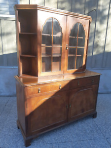 Antique Buffet & Hutch *Free Local Delivery*